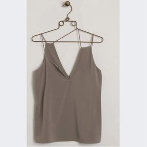 NWT WOMEN'S BUCKLE TOP SIZE XS